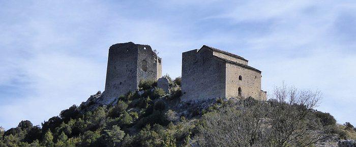 ERMITA DE SAN EMETERIO ET SAN CELEDONIO à 890 mètres d'altitude, depuis le village de Samitier, en Haut Atagon, Espagne.