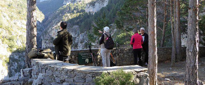 MIRADORES ET ERMITA DE SAN LORENZO DE REVILLA à 1362 mètres d'altitude, dans le comté du Sobrarbe, au nord de l'Aragon, Espagne.