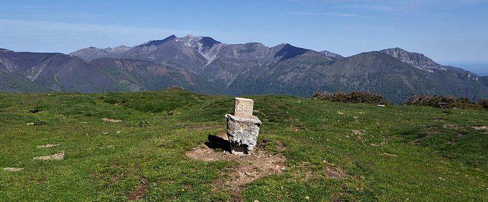 CAP D'AOUT à 1654 mètres d'altitude depuis le col du Soulor, dans les Hautes-Pyrénées.