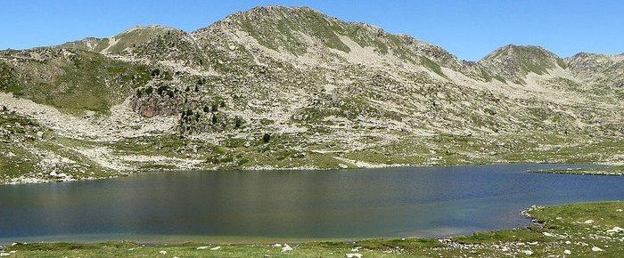 LAC DE ROSARI DE BACIVER à 2320 mètres d'altitude en Val d'Aran, dans la région de catalogne Espagne.