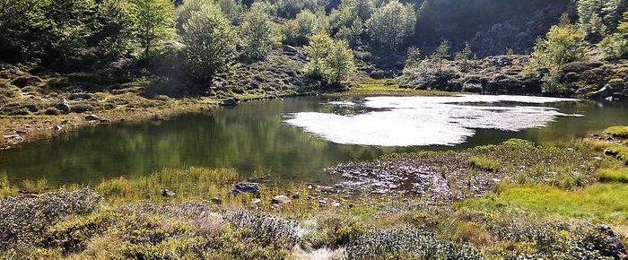 ETANG DE LABANT à 1597 mètres d'altitude, en vallée du Garbet, dans le Haut Couserans, Ariège.