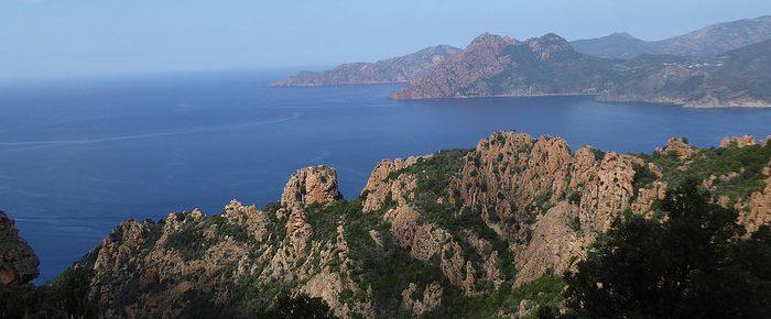 CALANCHE DE PIANA à 562 mètres d'altitude par l'ancien sentier muletier de Piana à Ota, sur le commune de Piana en Corse du Sud.
