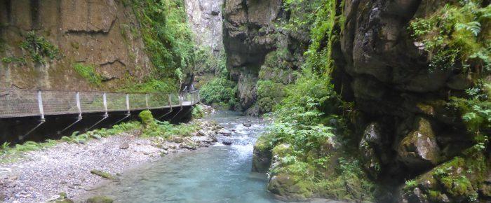 GORGES DE KAKUETTA au cœur des montagnes du pays basque, sur la commune de Saint Engrace, en province de Haute Soule, Pyrénées-Atlantiques