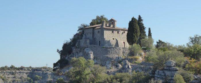 ERMITAGE SAINT EUGENE à 238 mètres d'altitude par le bois de Paiolive, en Ardèche.