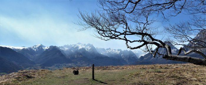 BELVEDERE D'OURTASSE à 1216 mètres d'altitude sur la commune de Lescun, en vallée d'Aspe, Pyrénées-Atlantiques.