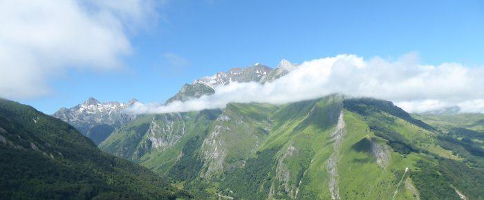 PIC DE PREDOUSET à 1358 mètres d'altitude depuis le Col des Bordères, sur la commune d'Estaing, Hautes-Pyrénées