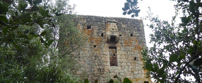 TOUR DE FRASSU à 350 mètres d'altitude, sur la commune de Grosseto-Prugna, en Corse du Sud.